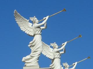 angelTrumpets